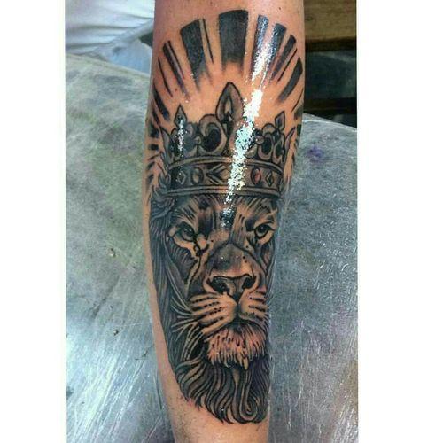 #lion #liontattoo #leao #leaotattoo #blackandgrey #blackandgreytattoo #lionking #king #kinglion #reileao king rei leão lion