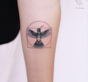 Vitruvian hummingbird