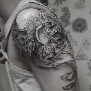Phoenix bird vs tiger. #phoenix #tiger #tattooart #Tattoodo