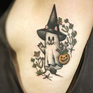 Tattoo by Johnny Vampotna aka Ghost Guy #JohnnyVampotna #GhostGuy #falltattoos #falltattoo #fall #season #nature #weather #Halloween #ghost #kitty #pumpkin #plants #color #illustrative #jackolantern