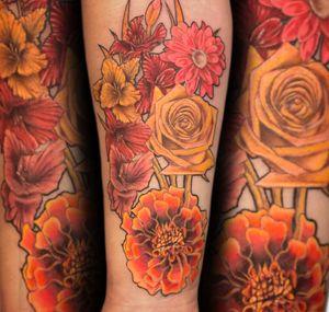 Thanks @drizzyjenn #tattoos #girlswithtattoos #ink #inked #losangeles #artist #besttattooartist #tattoodo #radtattoos #inkfreakz #flowers thanks for looking #juliustattooer