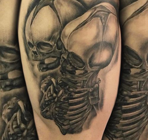 Close up of the piece #tattoos #guyswithtattoos #art #juliustattooer #ink #legtattoo #skeleton #conjoinedtwins #girlswithtattoos