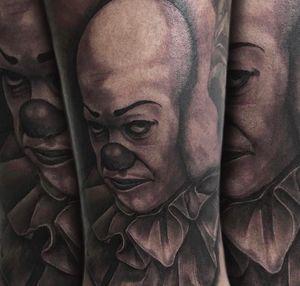 #pennywise on my boy @bigrich_88 #horror #tattoos #guyswithtattoos #it #classichorror #blackandgrey #inked#tattoo_art_worldwide #losangeles #dowhatyoulove #art thanks for looking #juliustattooer