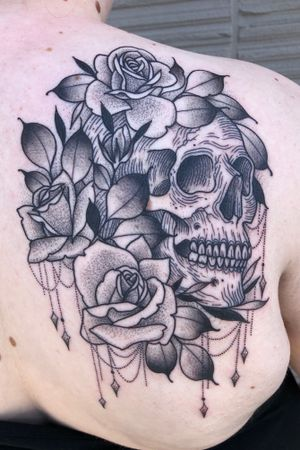 Done by Jade Quail @ Paper crane studio #skullandroses