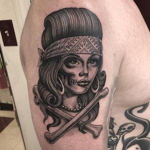 Tattoo by Tim Hendricks #TimHendricks #portraittattoos #portraittattoo #portrait #face #Chicano #blackandgrey #illustrative #bandana #lady #ladyhead #babe #pearls #crossbones #death #skull