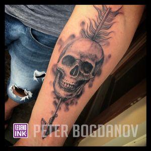 Skull and Feather #peterbogdanov #bealegend #legendink legendink.com