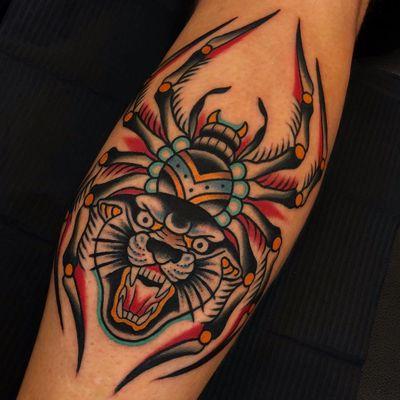 Tattoo by Samuele Briganti #samuelebriganti #cattattoos #cattattoo #kittytattoo #kitty #cat #petportrait #animal #nature #color #traditional #panther #spider