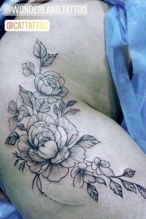 #tattoo #tattoogirls #catlopezink #blackworktattoo