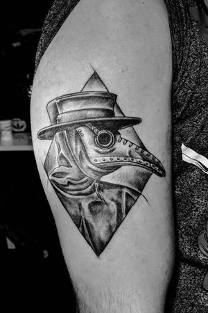 Plague Doctor by Heiko #Plague #Doctor #plaguedoctor #pest #arzt #death #tod #raven #rabe #mask #maske #darkages #medieval #mittelalter #black #white #blackAndWhite #creepy
