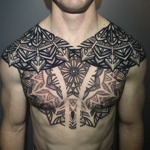#ornate #dotworktattoo #stippling #tattoodo #omfgeometry #patternwork #geometrip #shouldertattoo #chesttattoo #backtattoo