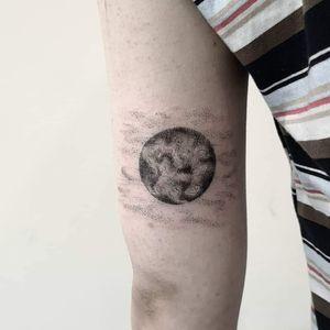 Moon ❤️ Instagram : @nikita.tattoo #smalltattoo #tattoo #minimalism #minimalistictattoo #tattooideas #moontattoo #dotwork #dotworktattoo #details