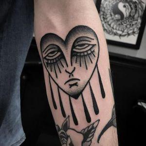 Tattoo by Johan Navarro #JohanNavarro #cryinghearttattoos #cryinghearttattoo #cryingheart #heart #tears #love #heartbreak #blackwork