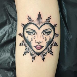 Tattoo by George aka geeorgettt of Love Hate in London #George #Geeorgettt #cryinghearttattoos #cryinghearttattoo #cryingheart #heart #tears #love #heartbreak #portrait #ladyhead #dotwork #lips