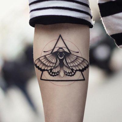 Tattoo by Xav Tattoos #XavTattoos #mothtattoos #mothtattoo #moth #butterfly #insect #nature #animal #blackwork #illustrative #moon #dotwork #triangle #geometric