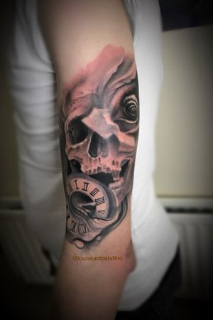 Black and grey skull and rose