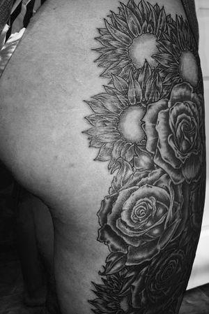#legpiece #rose #sunflower