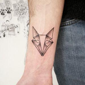 Geometric Fox, small tattoo - Giorjolla / Isola Del Liri (FR) Italy DANJOTATTOO #Tattoodo #blacktattooart #ornamentaltattoo #blackink #tattooartist