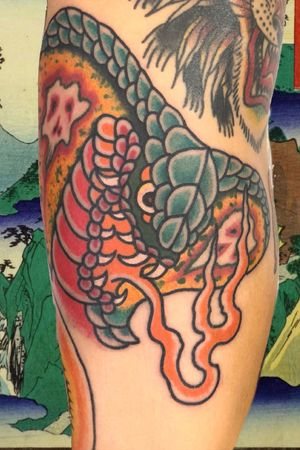Kobra head #italianjapanesetattoo #top_class_tattooing #japanart #topttattooing #topclasstattoing #bright_and_bold #americanatattoos #italian_traditional_tattoo #friendship #realtraditional #inked #oriemtaltattoo #tattoo #tattooes #tattooitaly #convention #tattoolife #tattoolifemagazine #inkart #tattooartistmagazine #bologna #tattoobologna #bolognatattoo #horrorvacuitattoo #tatuaggibologna #tttism #japanesetattoo
