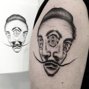 Dalí double face 1 session / Giorjolla #doublefacetattoo #dalitattoo #surrealismtattoo #Tattoodo #blacktattooart #ornamentaltattoo #blackink