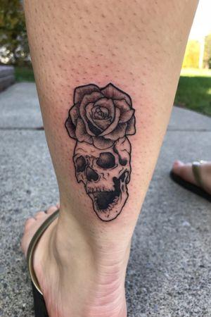 Skully rose #jtshaw113 #skull #rose #blackwork #whip #girlswithtattoos #supercute #skullyboi