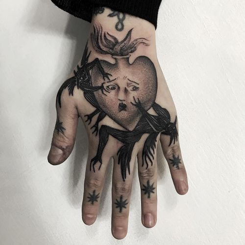 Tattoo by Osangbrutal #Osangbrutal #fingertattoos #fingertattoo #finger #hand #demon #sacredheart #star #heart #illustrative