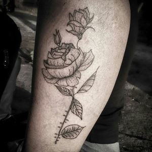 Fine line, se importo de fazer tatuagem assim sempre em lugares que a pessoa menos gosta, pra passar a gostar