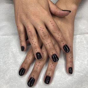 Tattoo by Tine DeFiore #TineDeFiore #fingertattoos #fingertattoo #finger #hand #dotwork #minimal