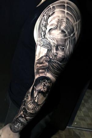 Black & gray realism viking warrior viking woman clock @pedromullertattoos