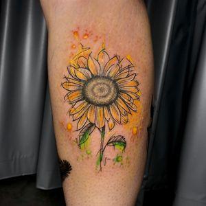 Girassol feito exclusivamente para @lari.pavani !!! Muito obrigada pela confiança linda foi incrível fazer esse trabalho em você!! 🌻 . . . Gostou?! Chama a gente no whatsapp (11) 94467-8824 . . . #artfusion #artfusiontattoocompany #inspirationtattoo #watercolorsunflower #watercolor #sunflowertattoo #sunflower #watercolor #coloredtattoo #flowertattoo #watercolorflower #saopaulo #vilaformosa #tatuagemcolorida #aquarela #girassol #girassoltattoo