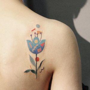 Tattoo by H1ddy Huang aka hedddddy #h1ddyhuang #hedddddy #abstracttattoos #abstracttattoo #abstract #shapes #surreal #strange #flower #floral #color