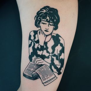 Tattoo by Antoine Larrey #AntoineLarrey #booktattoos #booktattoo #book #literary #novel #reading #novel #lady #ladyhead #girl #pattern