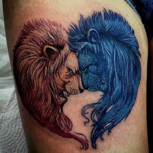 Задумка в двух Львов олицетворения дня и ночи мне очень понравилась сделано мелко и кропотливо