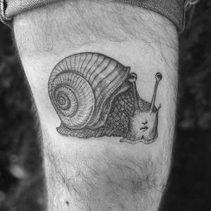 Tattoo by Rebecca aka land of sky #Rebecca #landofsky #snailtattoos #snailtattoo #snail #animal #nature #Fornasetti #illustration #portrait #surreal #ladyhead