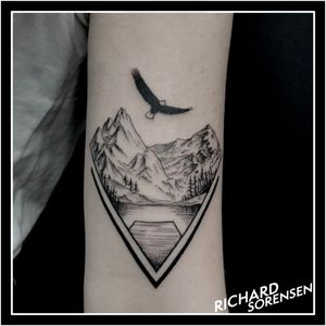 #nature #naturetattoo #mountains #eagle #tatuaje #tatuajes #tattoo #tattoos #tatuagem #black #alphasuperfluid #ink #magicmooncartridges #magicmoon_tattoo_supply #magicmoonsupply #richard_sorensen