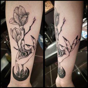 #floral #witchcraft #magic #occultart #blackworktattoo #tattoo #berlintattoo #tätowierung