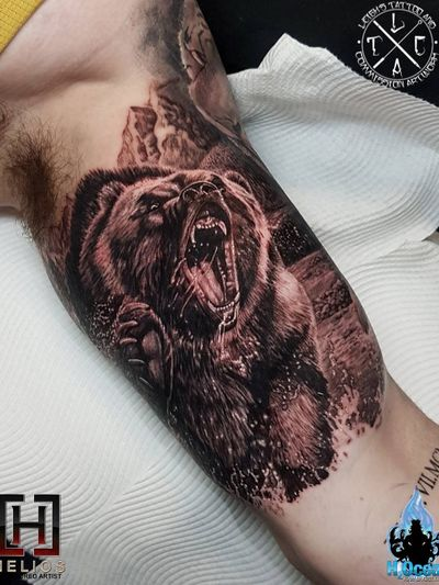 Bear inner bicep piece from today Insta: @leigh_tattoos For all bookings an enquiries contact directly at Fb: /leighstca @heliostattoo @h2oceanloyalty #goldcoast #tattoo #tattoos #tat #tats #tattooist #tattooartist #tattooart #ink #inked #tattooedgirls #tattooedguys #t4l #follow #followme #bestoftheday #greywash #fusion #swashdrive #heliostattoo #heliosneedles #Loyalty4Life #H2Ocean4Life #H2Ocean #beartattoo #biceptattoo #bear