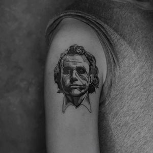 :: Heath Ledger :: . #synthetictattoo #joshlintattoo  #合成刺青 #syntheticblack #tattoo #tattoos #tatts #tattooartist #inked #ink #inkedup #inkedmag #tattooart #tattoodesign #art #artwork #bodyart  #amazingink #tattooist #tat #tats #bnginksociety #synthetic #taiwan #taipei #unickink @synthetictattoo