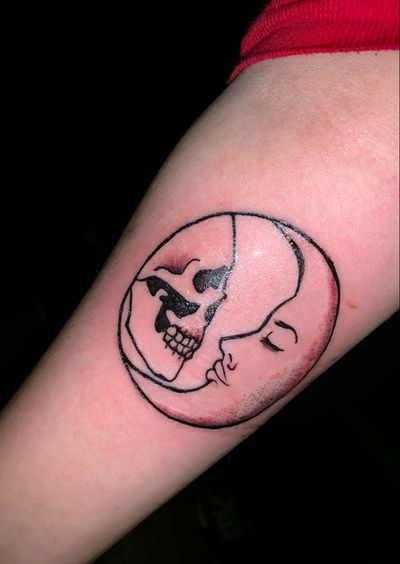 freahly done #circle #skull #moon #Gothic #love