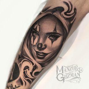 Tattoo by Manzur Guzman #ManzurGuzman #clowntattoos #clown #funnytattoo #funny #humor #lol #joker #chicano #blackandgrey #payasa #babe #ladyhead