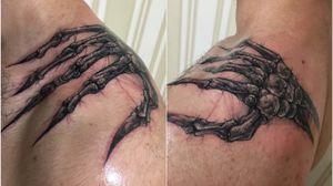 Freehand🖤 No filter / без фильтров. Shoulder. #tattoo #tattooartist #tattooart #art #sketch #horror #freehand #horrortattoo