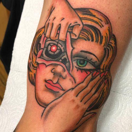 Tattoo by Colo Lopez #ColoLopez #splitfacetattoos #portrait #surreal #strange #face #ladyhead #robot #scifi #terminator