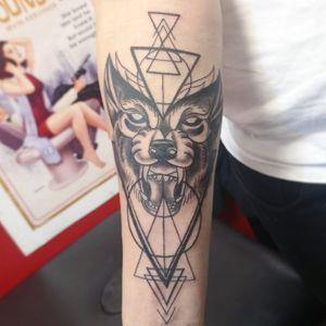 #wolf #geometric #geometrictattoo #tattoo #wolftattoo #blackandgreytattoo #neotraditionaltattoo #neotraditional #hastings #uk #england