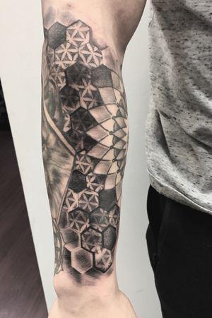 Hexagon filler