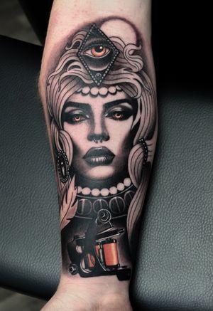 Witch portrait with tattoo machine