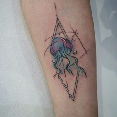 Baby Jellyfish #graphictattoo #watercolor #geometric #colorfultattoo #sea #lines #jellyfish
