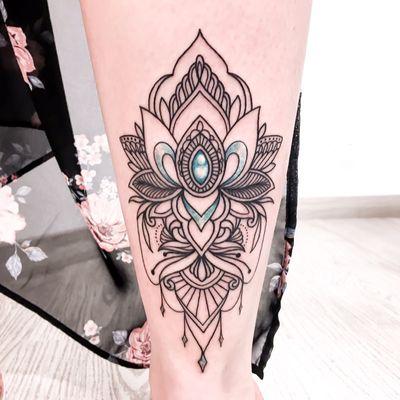 #customdesign #ornamental #tattoo #mandala #lotus #lotusflower #flowers #flowertattoo #linework #lineart #linetattoo #leaves #leaf #tattoovideo #video #inkeup #inkedgirls #instart #dailyart #jewelry #jewels #jewellery #blue #diamond #diamonds #tattoodesign #diamondtattoo #seafoam #turquoise #turquoisejewelry