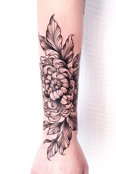 Chrysantemum from last month 😃 #chrysanthemumtattoo #chrysanthemum #flower #flowers #flowerattoo #flowers #flowerstagram #flowerstattoo #fineline #fineart #linework #lineart #dotwork #dotworkers #blackwork #blackart #inkedup #ink #germany #forearmtattoo #tattoos #tattooee #tattoostudio #flowerdrawing #ipadpri #ipadart #blackworknow