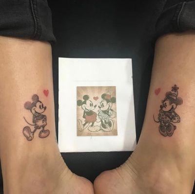 #mickeyandminnie #tattoo #tattoostyle #dotwork #dotworktattoo #puntillismo #mickeymousetattoo #minniemousetattoo #disney #disneycharacters #disneytattoo #minnie #mickeymouse #iloveit #tattooofinstagram #💉🖤 . . . . Pide tu cita en @khaleesitattooart @verus.love #❤️