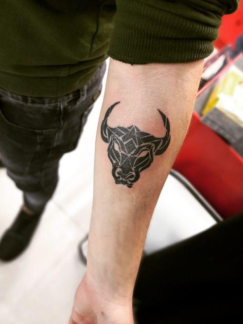 A bull for Amir. Enjoy 🌹 at @panic_tattoo_hadera #bulltattoo #inklove #tattoos #studio #tattooshop