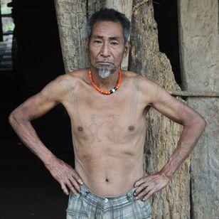 Ngòm Pok, a Lainong Naga elder of Lahe village. MYANMAR. Photo: © Lars Krutak 2014. #LarsKrutak #tattoohistory #tattooculture #tattooanthropologist